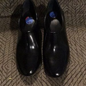AC2) Women's brand new Via Spiga shoes, never worn